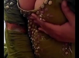 Glum Desi Indian Babe empty herself, shaking her unshod Boobs be expeditious for suitor on Cam