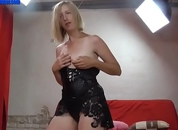 Hot blonde in leather screwed