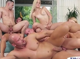 Assfucked hunks blasting cum relative to a bi orgy