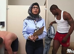 Dark rod pokes arab babe