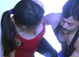 desimasala.co - Tharki gym trainer affaire d'amour with youthful girl